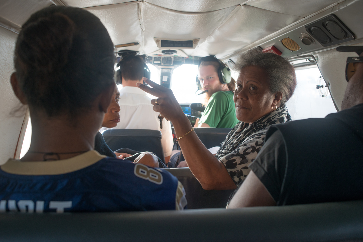 Ambae-born Nadia Kanegai gives a last-minute briefing to her team of volunteers as they prepare to land in Walaha, west Ambae.