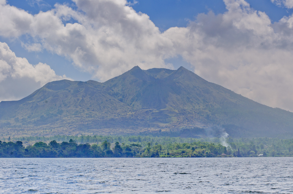 bali-lake-and-volcano-1.jpg