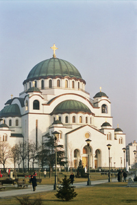 The massive yet airy bulk of Sveti Sava church dominates the Belgrade skyline. It balances the bulk of the great mosques of its time with lighter italianate influences reminiscent of the Duomo in Florence. This is more or less a postcoard shot, designed to put the church into a slightly broader visual context.