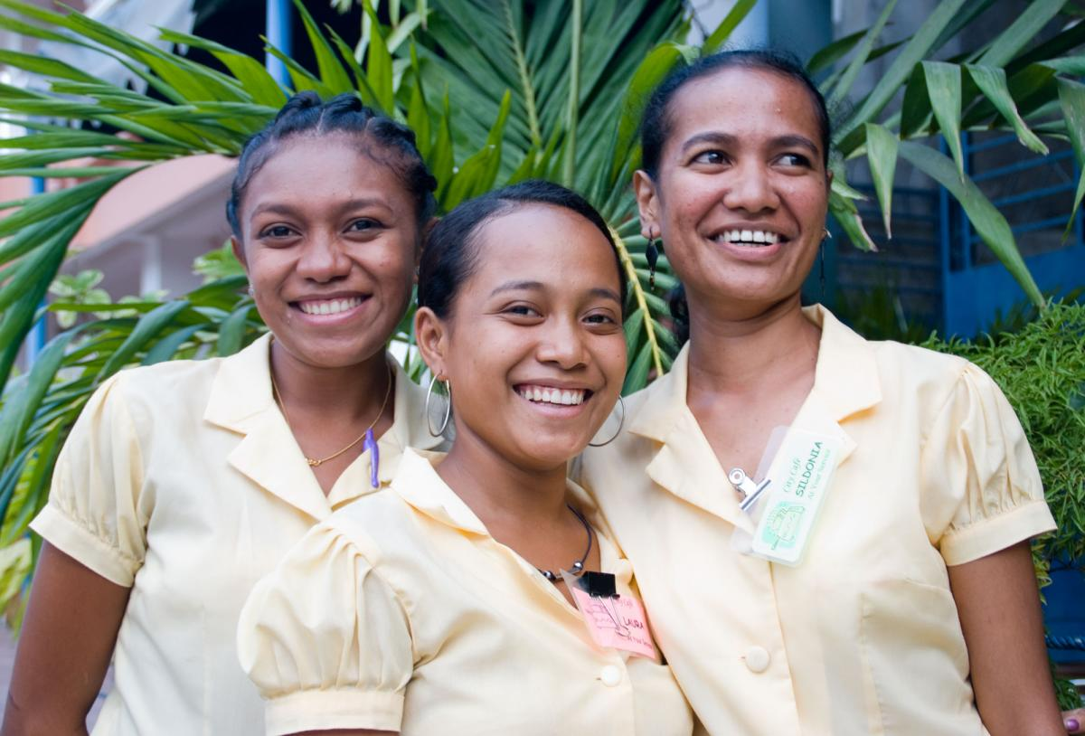 dili-city-cafe-waitresses-1.jpg