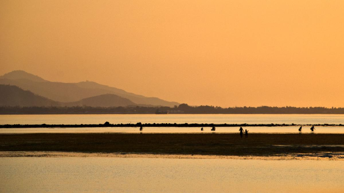 dili-golden-sunset-1.jpg