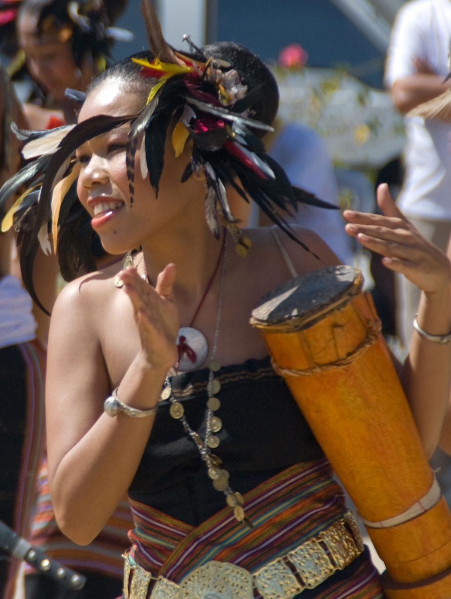 dili-traditional-dancer-1.jpg