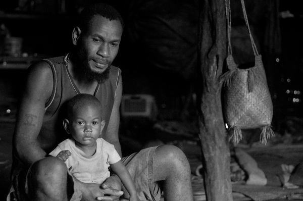 Family and friends in Lalwari village on Pentecost island.