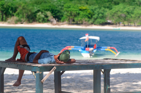 Shots taken on Gili Ninggu (literally, 'Last Island'). It's a beautiful, peaceful place.