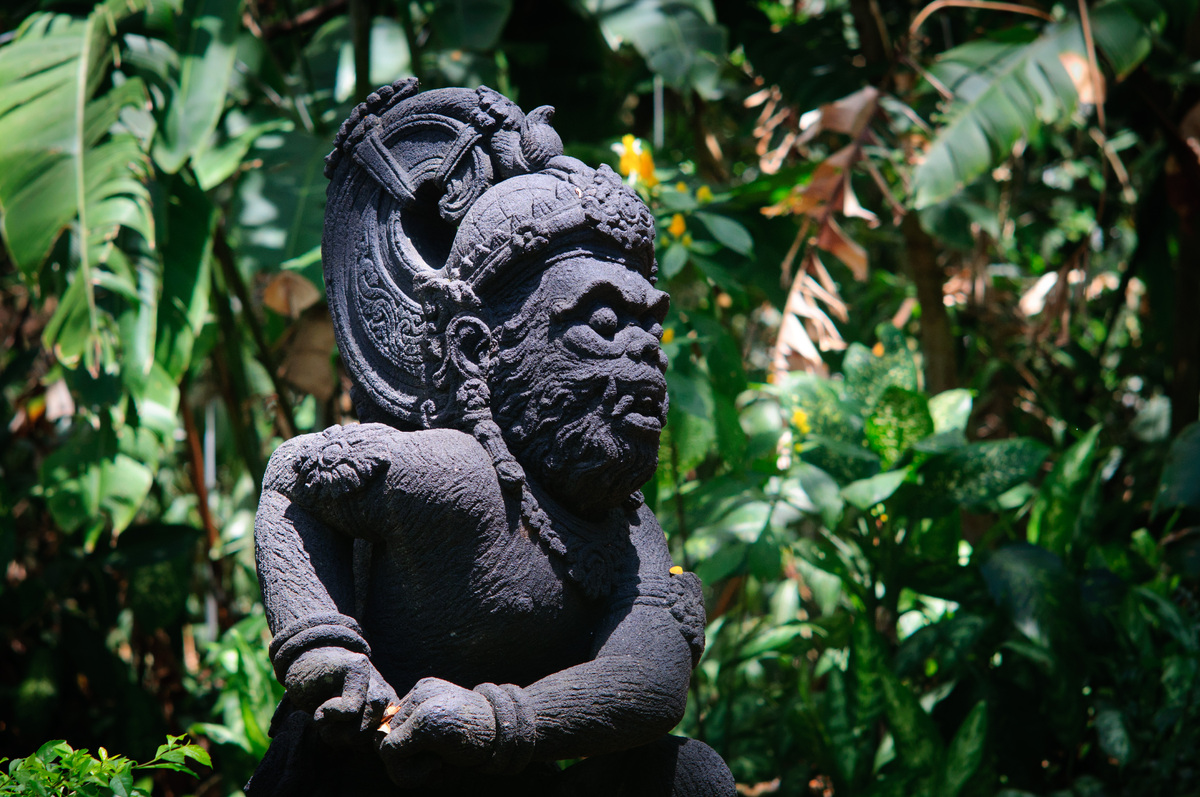 moresby-indonesian-statue-1.jpg