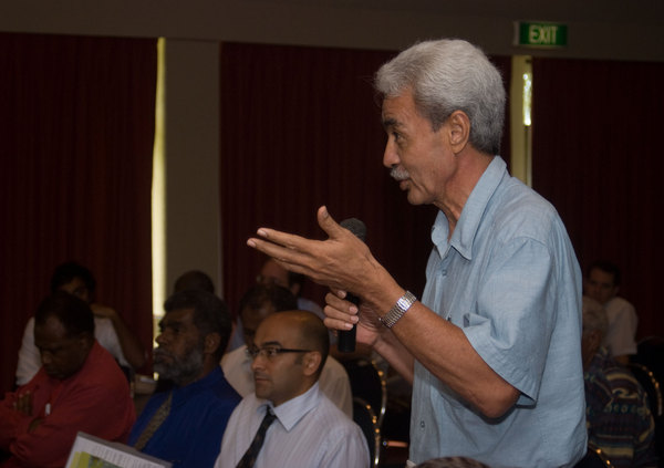 A senior economist from Samoa discusses economic trends during the unveiling of the Pacific Economic Survey.  The event was co-presented by AusAID and the Pacific Institute of Public Policy.