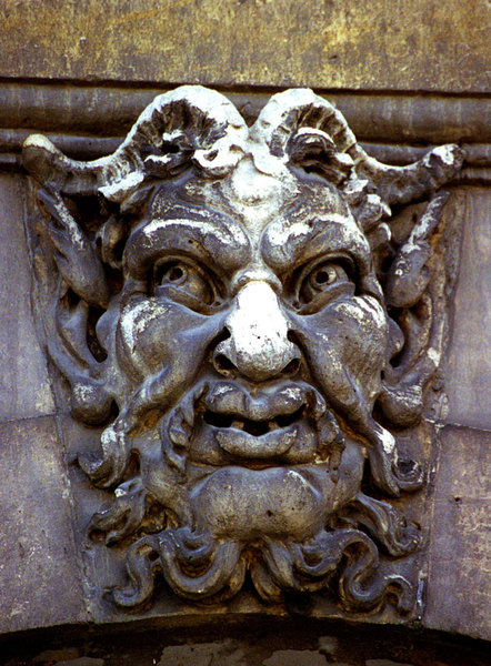 I've always been fascinated by the mediaeval sense of the grotesque. The  faces that adorn the pont neuf in Paris are of particular interest, because they represent caricatures of the contemporary who's who. Every one of them lampoons one of the patrons of the bridge itself.