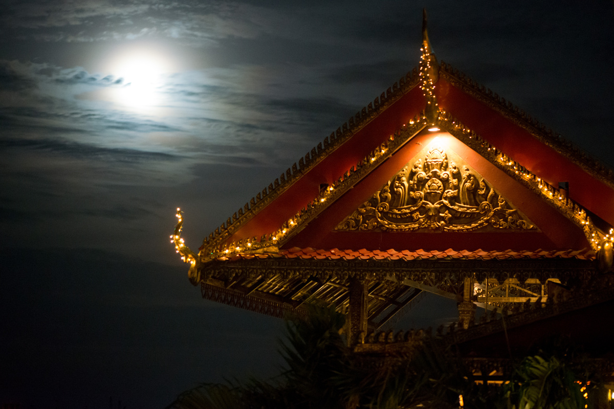 phnom-mekong-moonlight-3.jpg