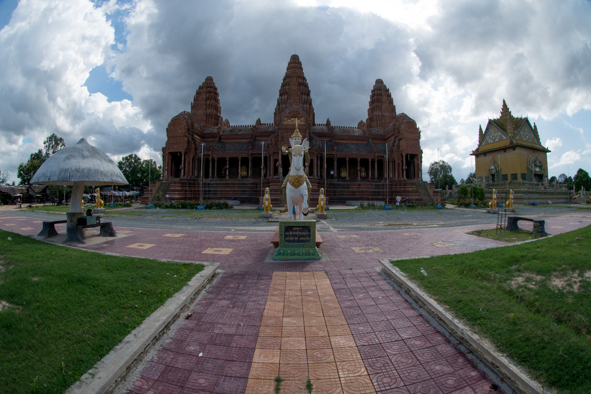 phnom-penh-temples-and-more-38.jpg