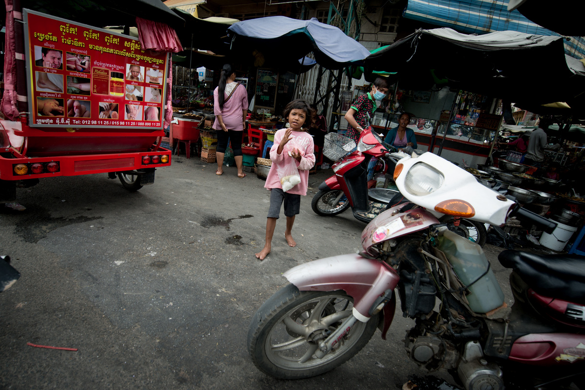 phnom-penh-the-old-market-13.jpg