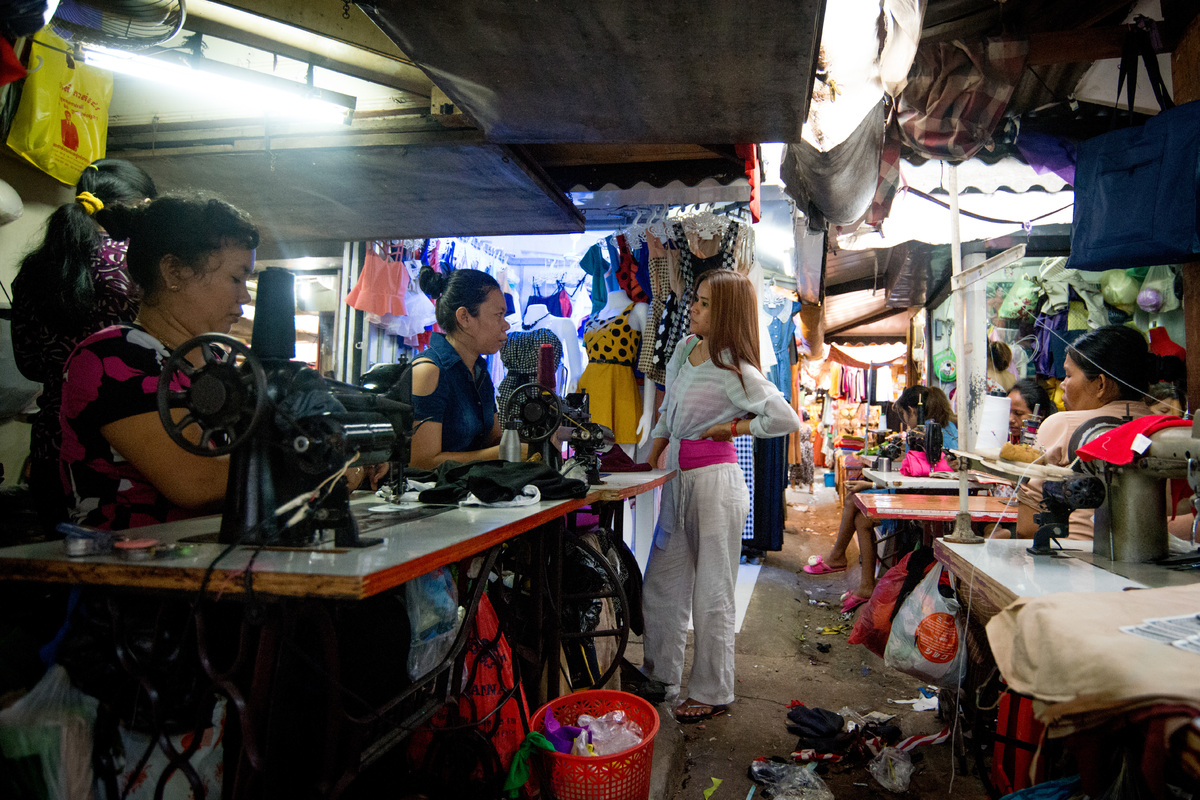 phnom-penh-the-old-market-3.jpg
