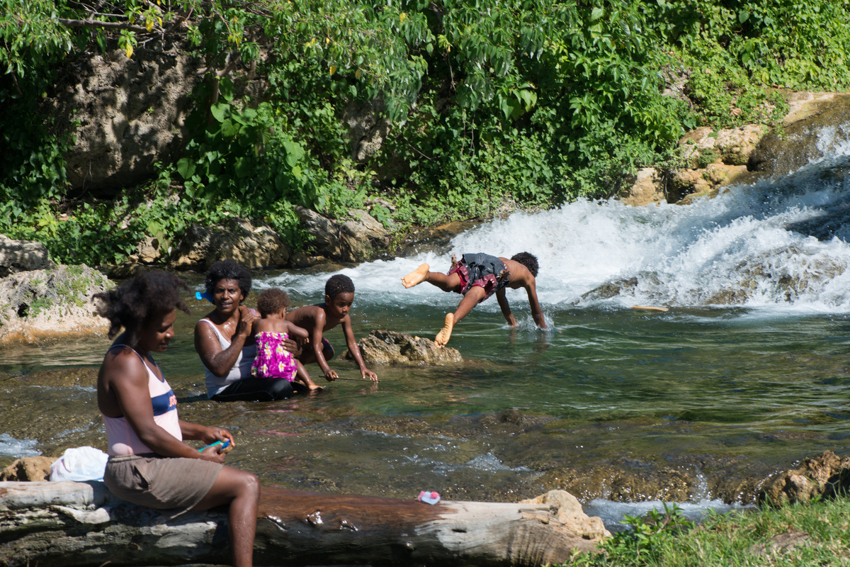 vila-around-the-island-with-jj-5.jpg