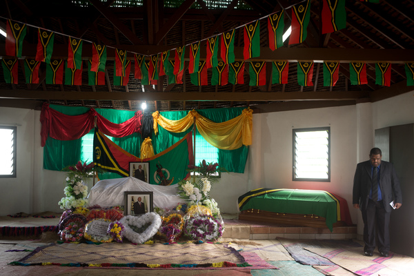 The body of President Baldwin Lonsdale lies in the State House Nakamal.