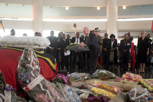 Governor General of Australia Peter Cosgrove lays a wreath in Parliament just prior to the state funeral of Vanuatu President Baldwin Lonsdale.