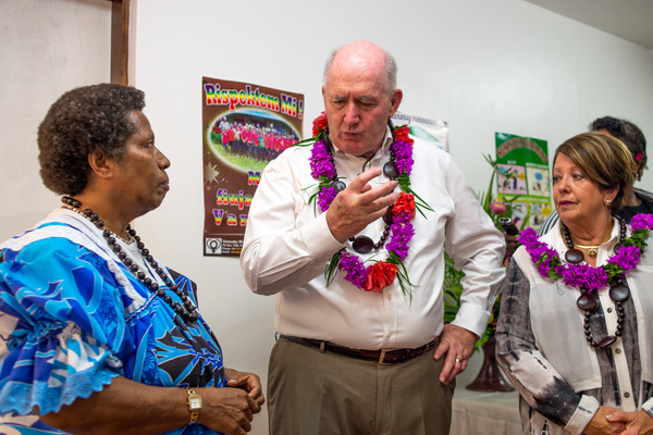 Governor General of Australia Peter Cosgrove visits Vanuatu Women's Centre.