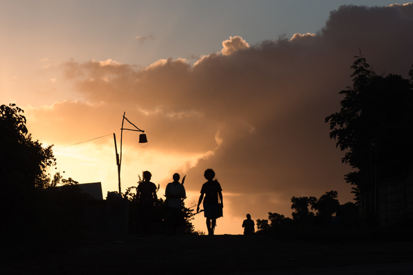 A few shots from a beautiful evening in the Seaside community in Port Vila.