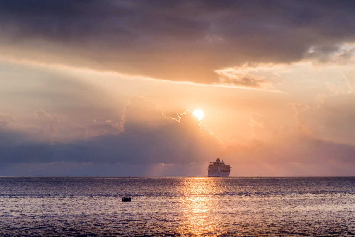 vila-sunset-with-cruise-ship-1.jpg