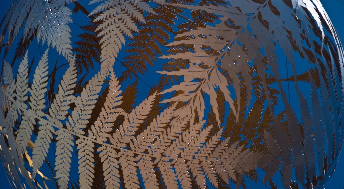 wellington-fern-ball-detail-2.jpg